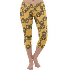 Abstract Shapes Links Design Capri Yoga Leggings