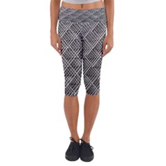 Pattern Metal Pipes Grid Capri Yoga Leggings