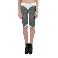 Pattern District Background Cropped Leggings