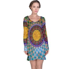 Temple Abstract Ceiling Chinese Long Sleeve Nightdress