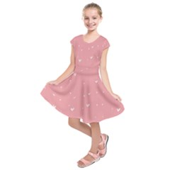 Pink background with white hearts on lines Kids  Short Sleeve Dress