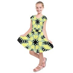 Yellow Snowflake Icon Graphic On Black Background Kids  Short Sleeve Dress