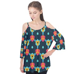Connected shapes pattern     Flutter Sleeve Tee
