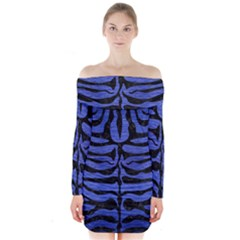 Skin2 Black Marble & Blue Brushed Metal (r) Long Sleeve Off Shoulder Dress