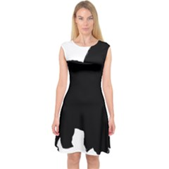 Chow Chow Silo Black Capsleeve Midi Dress