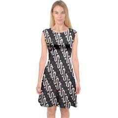 Batik Jarik Parang Capsleeve Midi Dress