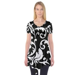 Vector Classical  Traditional Black And White Floral Patterns Short Sleeve Tunic