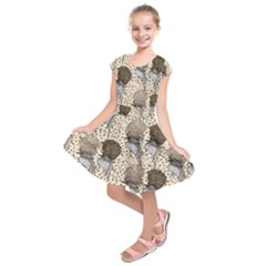Bouffant Birds Kids  Short Sleeve Dress