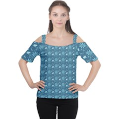 Seamless Floral Background  Women s Cutout Shoulder Tee