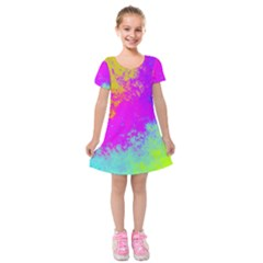 Grunge Radial Gradients Red Yellow Pink Cyan Green Kids  Short Sleeve Velvet Dress