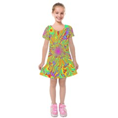 Magic Ripples Flower Power Mandala Neon Colored Kids  Short Sleeve Velvet Dress