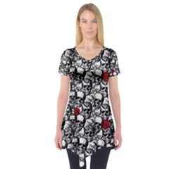 Skulls and roses pattern  Short Sleeve Tunic