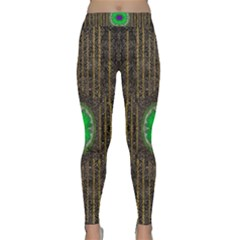 In The Stars And Pearls Is A Flower Classic Yoga Leggings