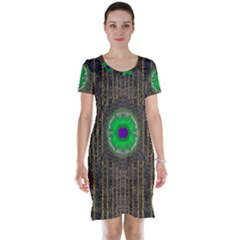 In The Stars And Pearls Is A Flower Short Sleeve Nightdress