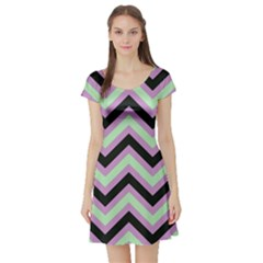 Zigzag pattern Short Sleeve Skater Dress