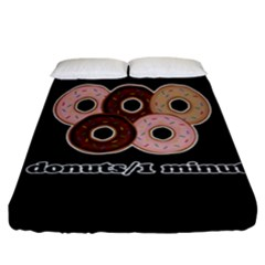 Five donuts in one minute  Fitted Sheet (California King Size)