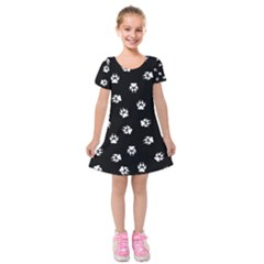 Footprints Dog White Black Kids  Short Sleeve Velvet Dress
