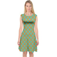 Friendly Retro Pattern D Capsleeve Midi Dress
