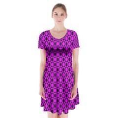 Friendly Retro Pattern G Short Sleeve V-neck Flare Dress