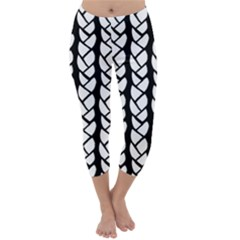 Ropes White Black Line Capri Winter Leggings