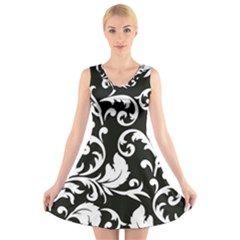 Black And White Floral Patterns V Neck Sleeveless Skater Dress