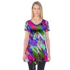 Tropical Jungle Print And Color Trends Short Sleeve Tunic