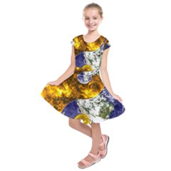 Design Yin Yang Balance Sun Earth Kids  Short Sleeve Dress