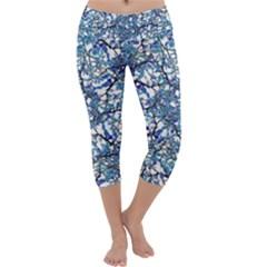 Modern Nouveau Pattern Capri Yoga Leggings