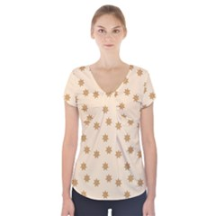 Pattern Gingerbread Star Short Sleeve Front Detail Top