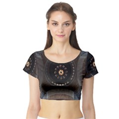 Pattern Design Symmetry Up Ceiling Short Sleeve Crop Top (tight Fit)