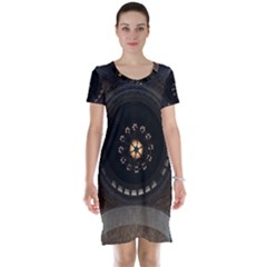 Pattern Design Symmetry Up Ceiling Short Sleeve Nightdress