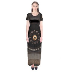 Pattern Design Symmetry Up Ceiling Short Sleeve Maxi Dress
