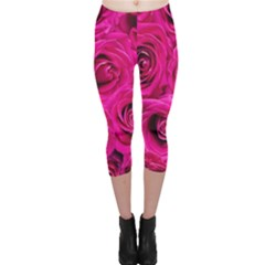 Pink Roses Roses Background Capri Leggings