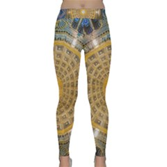 Arches Architecture Cathedral Classic Yoga Leggings