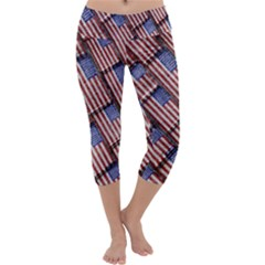 Usa Flag Grunge Pattern Capri Yoga Leggings