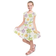 Beautiful spring flowers background Kids  Short Sleeve Dress