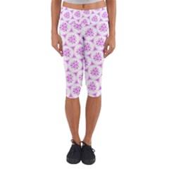 Sweet Doodle Pattern Pink Capri Yoga Leggings