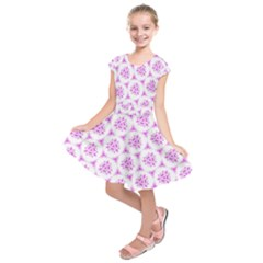 Sweet Doodle Pattern Pink Kids  Short Sleeve Dress