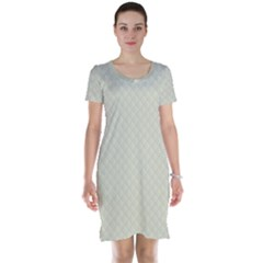 Rich Cream Stitched and Quilted Pattern Short Sleeve Nightdress