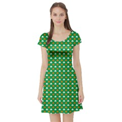 Orange & White Heart-Shaped Clover on Green St. Patrick s Day Short Sleeve Skater Dress