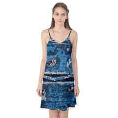 Blue painted wood                Camis Nightgown