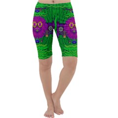 Summer Flower Girl With Pandas Dancing In The Green Cropped Leggings