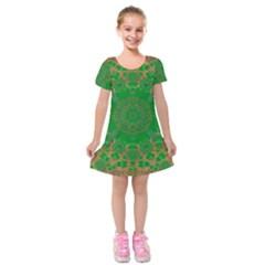Summer Landscape In Green And Gold Kids  Short Sleeve Velvet Dress