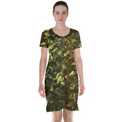 Bright Gold Mother of Pearl Nacre Pattern Short Sleeve Nightdress