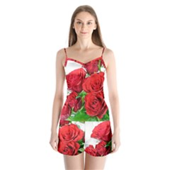 A Bouquet Of Roses On A White Background Satin Pajamas Set