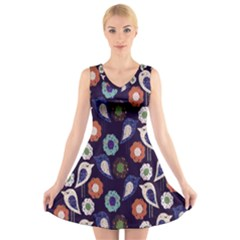Cute Birds Seamless Pattern V Neck Sleeveless Skater Dress