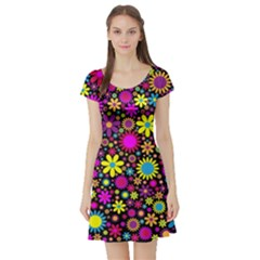 Bright And Busy Floral Wallpaper Background Short Sleeve Skater Dress