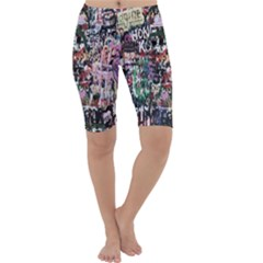 Graffiti Wall Pattern Background Cropped Leggings
