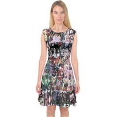 Graffiti Wall Pattern Background Capsleeve Midi Dress