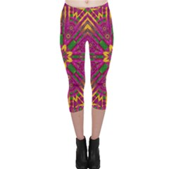 Feather Stars Mandala Pop Art Capri Leggings